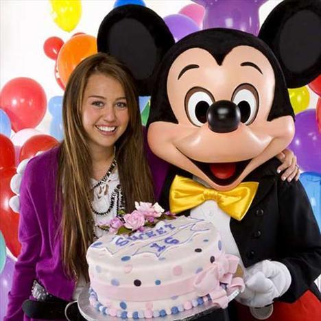 Ekim ayında doğum günü kutlaması için Disney'i kapatması konuşuldu.