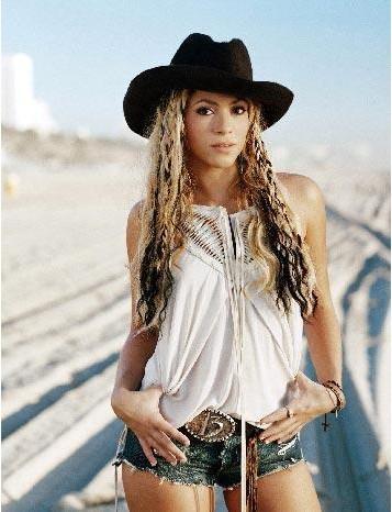 Shakira'nın boyu 1. 50 cm.