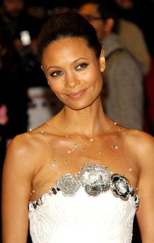 1990'lı yıllarda ise ünlü aktör Thandie Newton ile çıkıyordu.