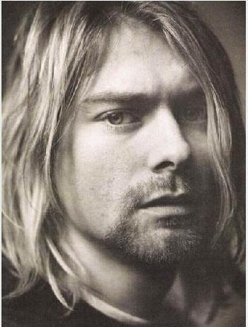KURT COBAIN   30 yaşına gelmeden ölen müzik efsanelerinden. Grunge akımının öncüsü olan Nirvana'nın solistiydi. 27 yaşında intihar etti.