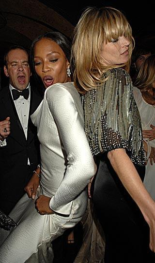 Naomi Campbell ve Kate Moss