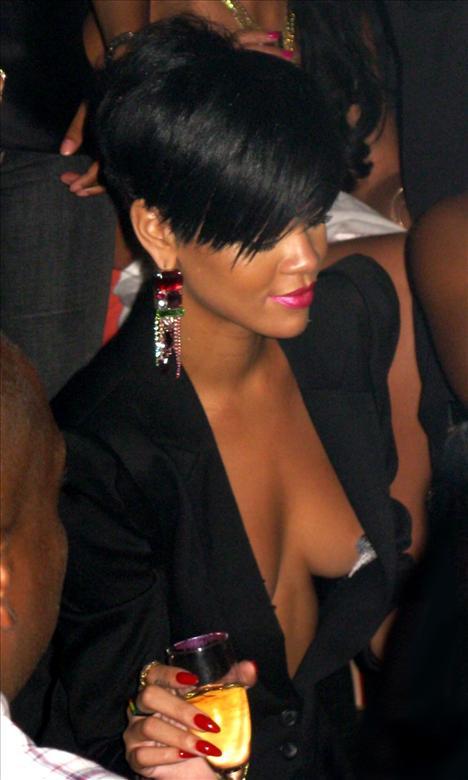 Rihanna - 35
